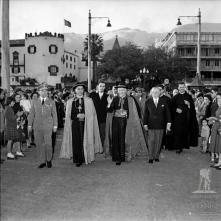 D. Manuel Gonçalves Cerejeira no cais do Funchal, a caminho de embarcar, Freguesia da Sé, Concelho do Funchal