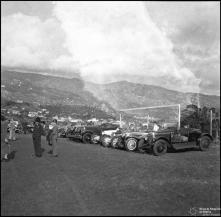 Concentração dos automóveis participantes na prova de gincana automobilística, estádio dos Barreiros ,(atual estádio do Marítimo),  Freguesia de São Martinho, Concelho do Funchal