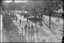Desfile do Batalhão de Infantaria Independente, n.º 25, na avenida Arriaga, nas comemorações do 28 de maio, Freguesia da Sé, Concelho do Funchal
