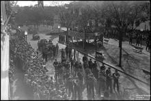 Desfile da Banda Distrital do Funchal e dos Bombeiros Voluntários Madeirenses, na avenida Arriaga, nas comemorações do 28 de maio, Freguesia da Sé, Concelho do Funchal