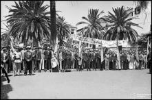 População, na Entrada da Cidade (atual avenida do Mar e das Comunidades Madeirenses), para ovacionar o general Óscar Carmona, Freguesia da Sé, Concelho do Funchal