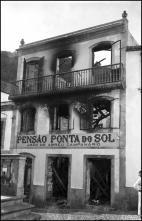 Edifício da Pensão Ponta do Sol, após o incêndio, Freguesia e Concelho da Ponta do Sol