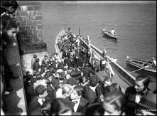 Desembarque da Tuna Académica de Coimbra no cais do Funchal, Freguesia da Sé, Concelho do Funchal
