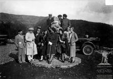 Retrato de grupo do General Italo Balbo e comitiva no Terreiro da Luta, Freguesia do Monte, Concelho do Funchal