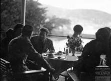 General Italo Balbo durante o lanche no Reid's Palace Hotel (atual Belmond Reid's Palace), Freguesia de São Martinho, Concelho do Funchal