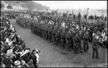 Legião Portuguesa na procissão do Corpo de Deus, na avenida do Mar (atual avenida do Mar e das Comunidades Madeirenses), Freguesia da Sé, Concelho do Funchal
