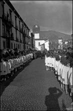 Cortejo fúnebre de Alexandre da Cunha Teles na avenida Arriaga, Freguesia da Sé, Concelho do Funchal