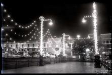 Iluminação do cais do Funchal, avenida do Mar (atual avenida do Mar e das Comunidades Madeirenses), avenida Zarco e palácio de São Lourenço, na passagem de ano de 1959 para 1960, Freguesia da Sé, Concelho do Funchal