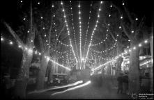 Iluminações de Natal e Fim de Ano na avenida Zarco, na passagem do ano de 1936 para 1937, Freguesia da Sé, Concelho do Funchal