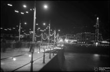 Iluminações de Natal e Fim de Ano no cais e na rua da Praia (atual avenida do Mar e das Comunidades Madeirenses), na passagem do ano de 1936 para 1937, Freguesia da Sé, Concelho do Funchal