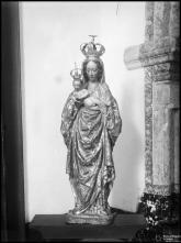 Escultura de Nossa Senhora com o menino ao colo
