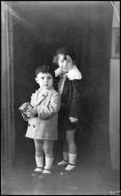 Retrato de um menino e uma menina