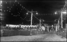 Iluminação do cais do Funchal e do palácio de São Lourenço durante a visita do presidente da República general Francisco Craveiro Lopes, Freguesia da Sé, Concelho do Funchal