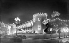 Iluminação do palácio de São Lourenço durante a visita do presidente da República general Francisco Craveiro Lopes, Freguesia da Sé, Concelho do Funchal