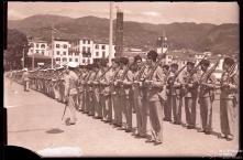 Parada de militares no cais do Funchal, Freguesia da Sé, Concelho do Funchal