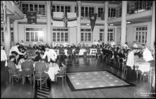 Jantar de encerramento das comemorações das bodas de prata da Associação de Futebol do Funchal (atual Associação de Futebol da Madeira), no Hotel Savoy (atual Hotel Savoy Palace), Freguesia de São Pedro (atual Freguesia da Sé), Concelho do Funchal