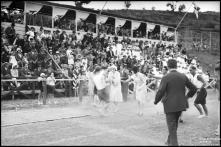 Prova na festa desportiva organizada pelo Clube Desportivo Nacional, em benefício do Asilo de Mendicidade e Órfãos do Funchal, no campo dos Barreiros (atual estádio do Marítimo), Freguesia de São Martinho, Concelho do Funchal