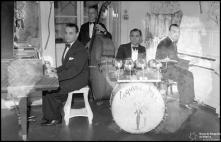 Orquestra de Tony Amaral na festa de passagem de ano, no Esquire Bar, do Hotel Bela Vista (atual Seminário Diocesano do Funchal), Freguesia da Sé, Concelho do Funchal