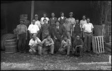 Retrato de grupo de Manuel Pita e dos funcionários da serragem, Freguesia de São Pedro, Concelho do Funchal