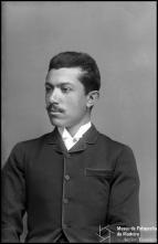 Retrato de Manuel Gonçalves (meio corpo)